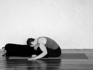 Square pose with fold