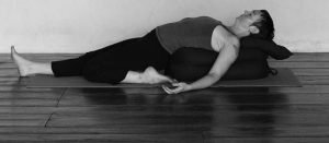 Supta Virasana Single leg